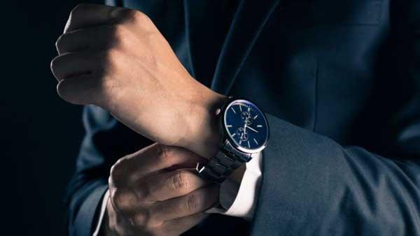 cosas que nunca debes hacer con tu reloj de lujo
