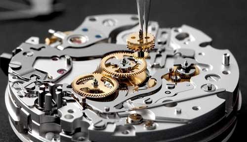 un reloj de lujo por dentro